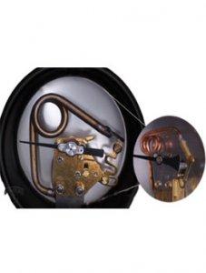 تصویر داخل یک گیج فشار بوردن بوردن با تیوب مدل مارپیچ